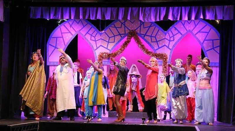 Kings Langley Pantomime Interviews #7 The Chorus!